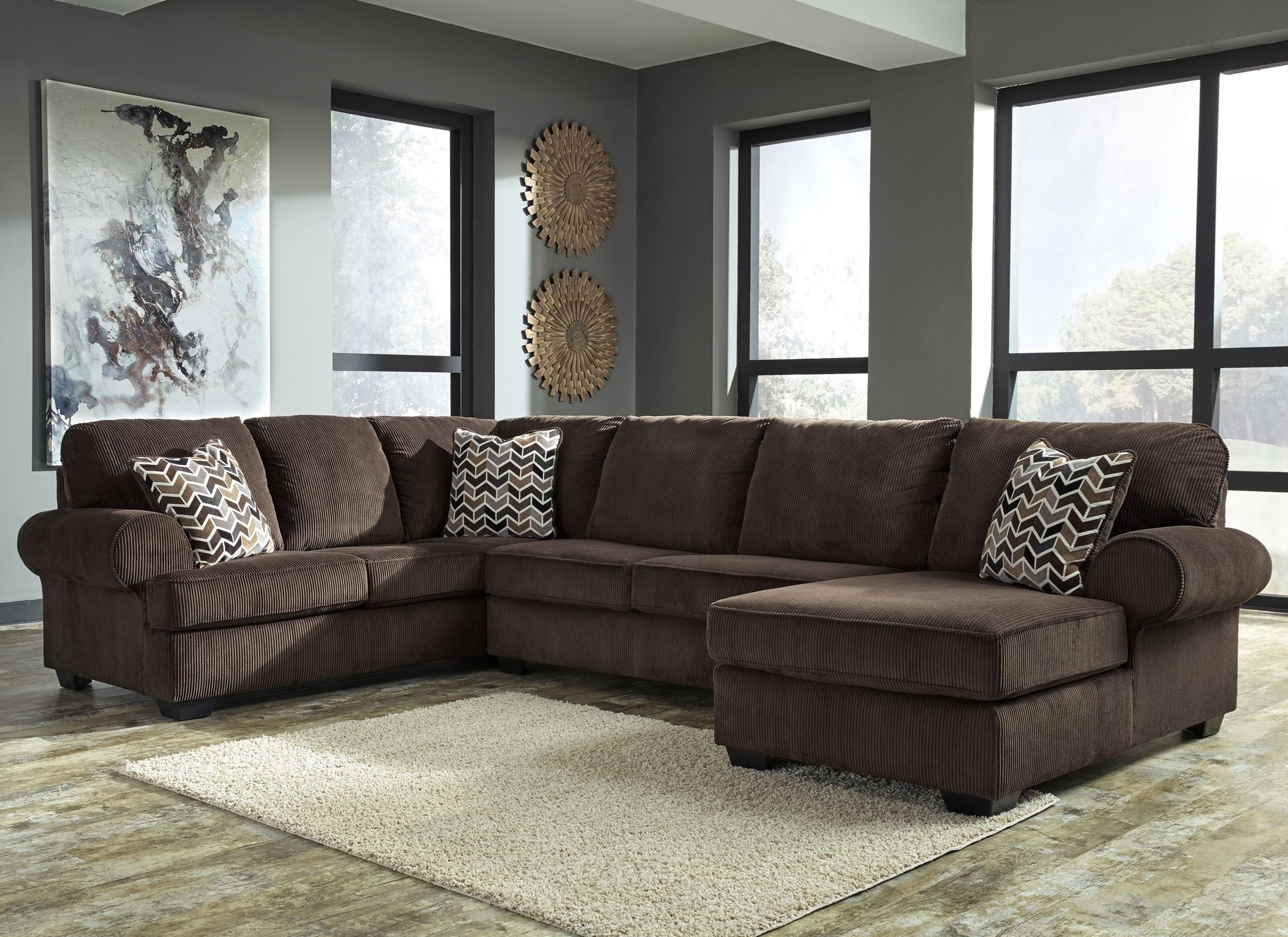 Contemporary 3-Piece Sectional With Right Chaise In