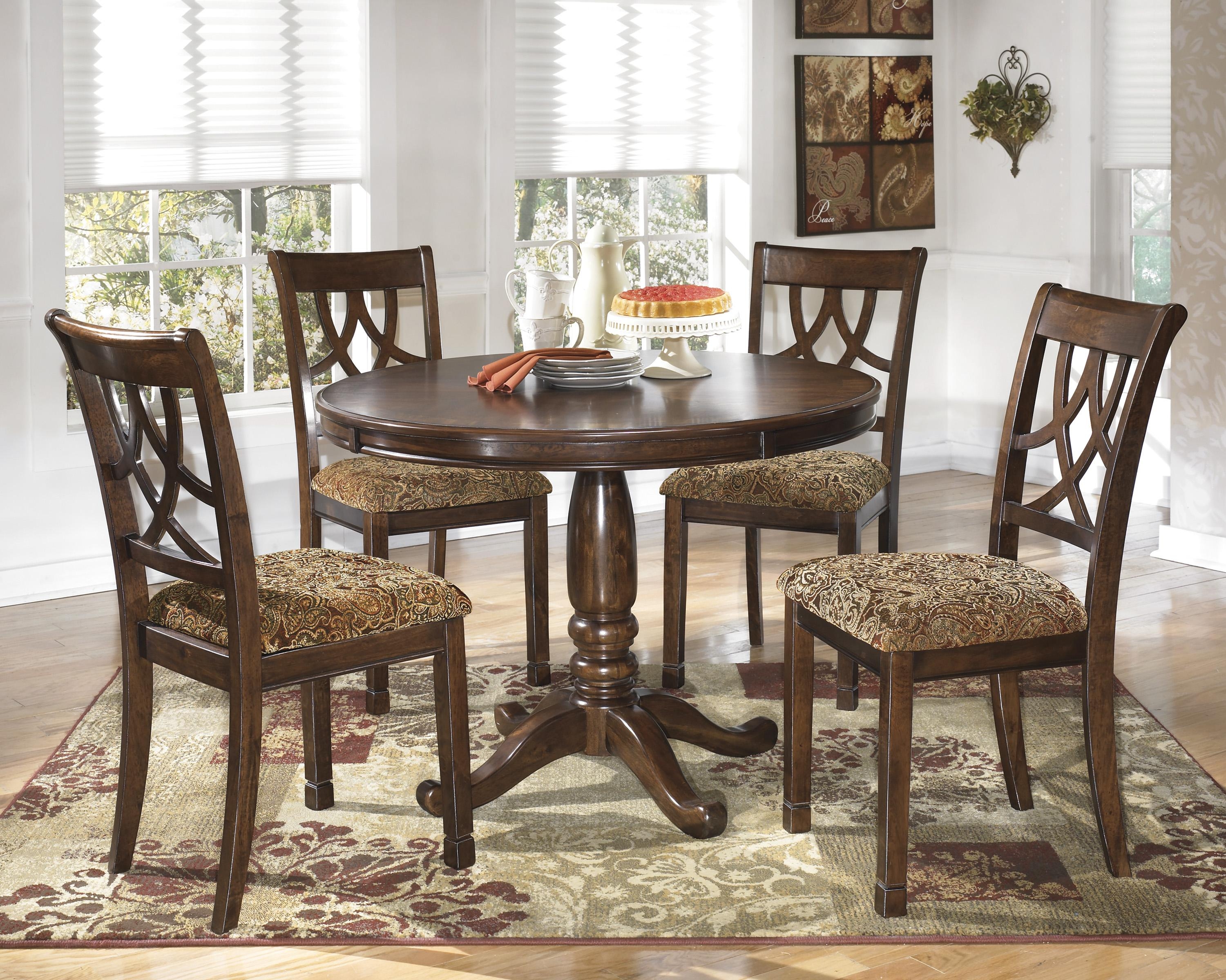 Round Dining Table With Turned Pedestal Base Amp Bordered
