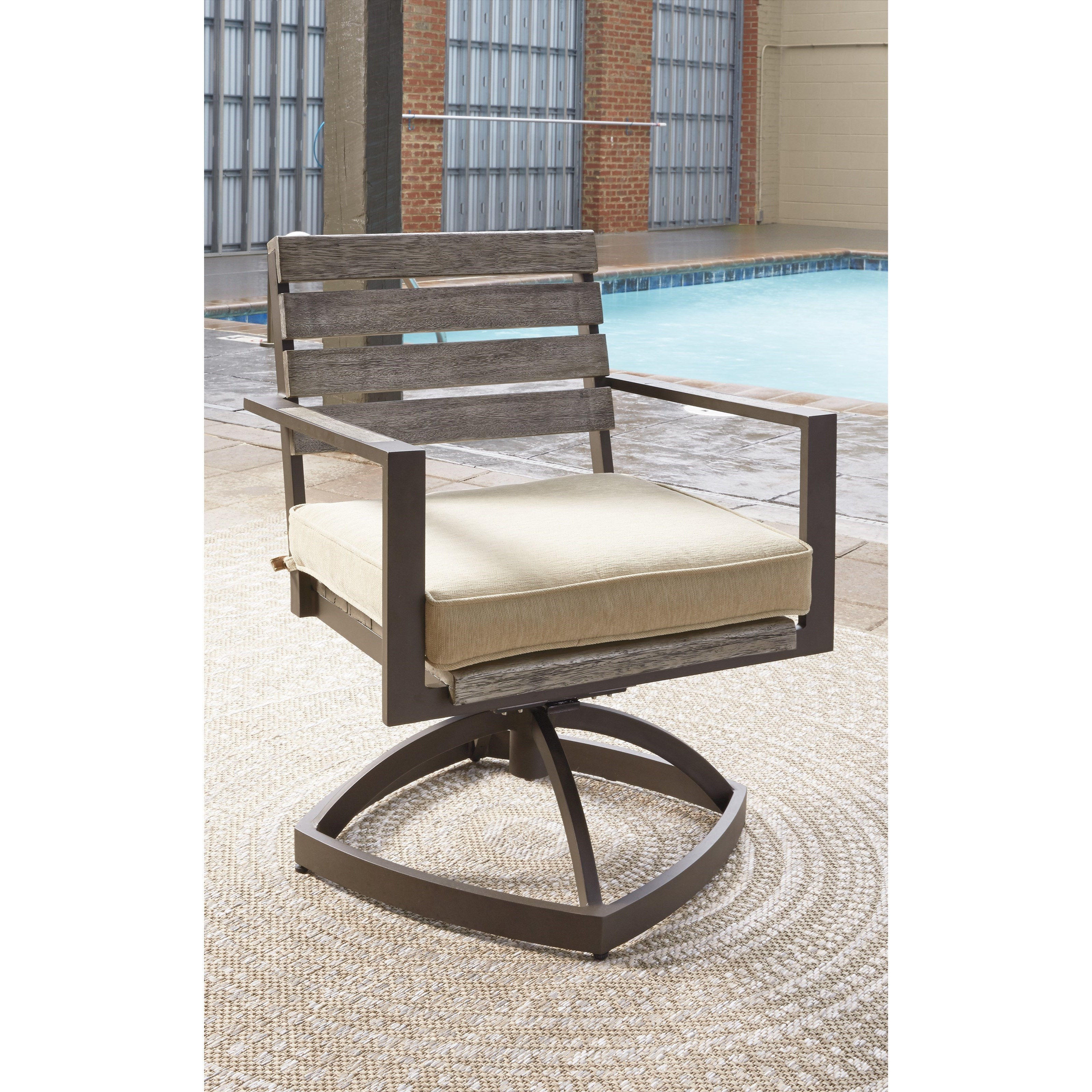 Outdoor Patio Furniture York Pa: Outdoor Swivel Chair W/ Cushion By Signature Design By