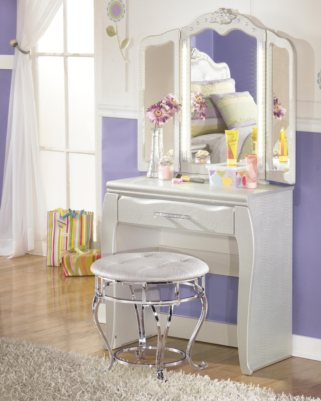 desk u0026 vanity mirror in silver pearl faux gator finish
