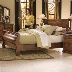 Furniture Traditions Alder Hill Queen Classic Sleigh Bed