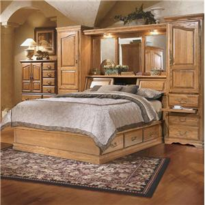 Furniture Traditions Master-Piece Queen Pier Bed Group