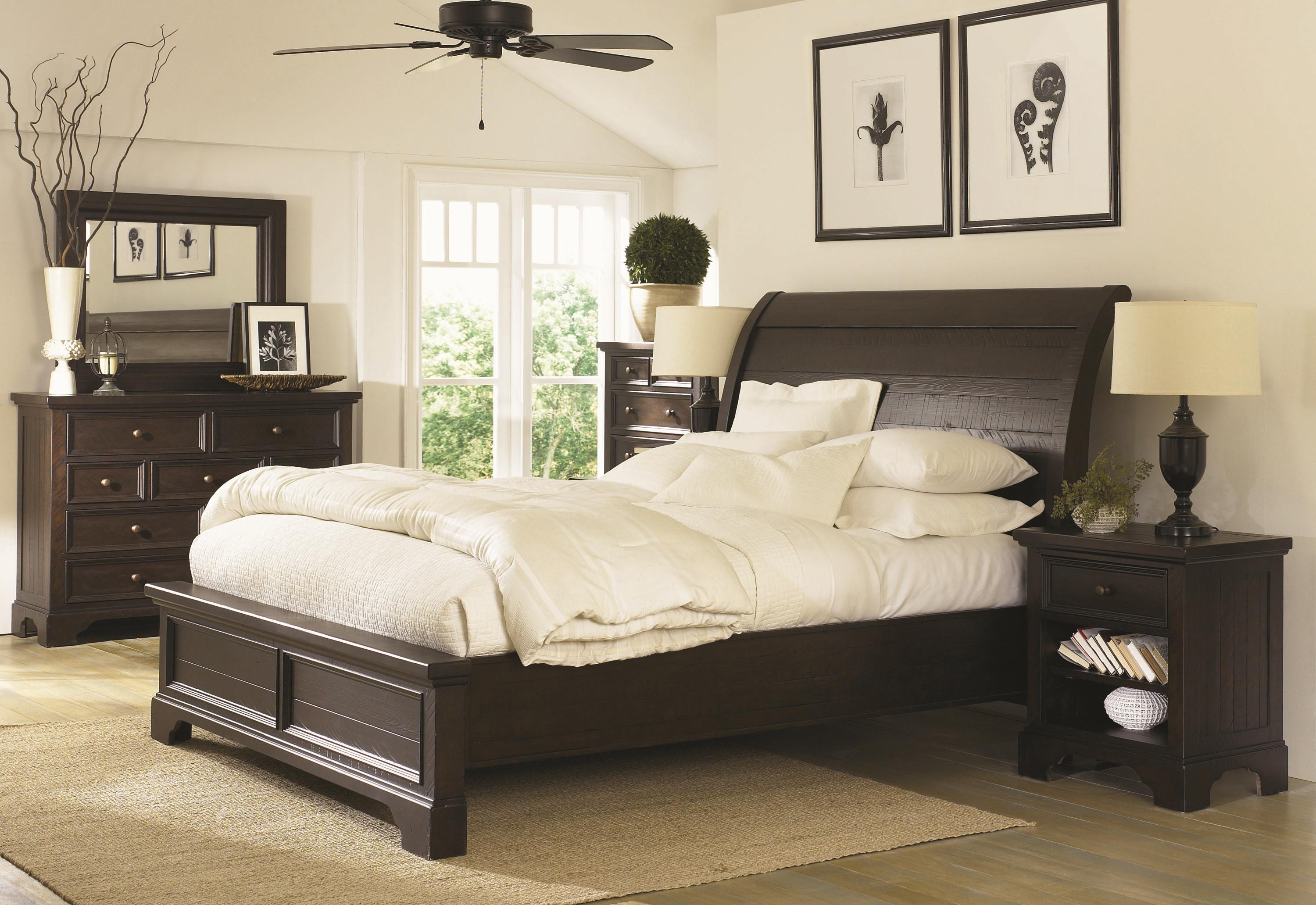 California king size sleigh bed with adjustable bed slats for Neutral color furniture