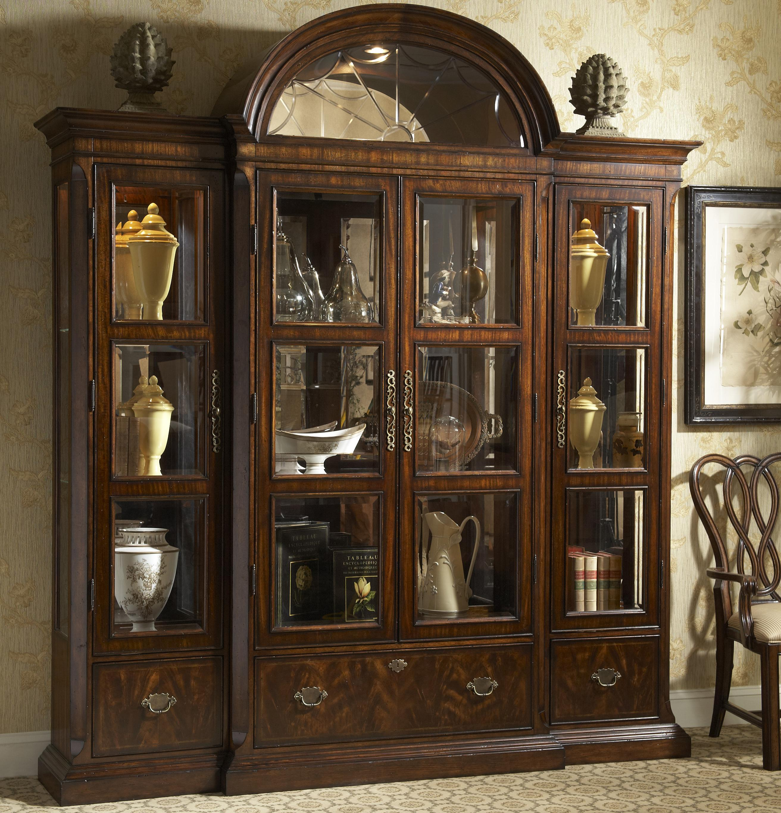 Curio china with crown by fine furniture design wolf and for Door design narra