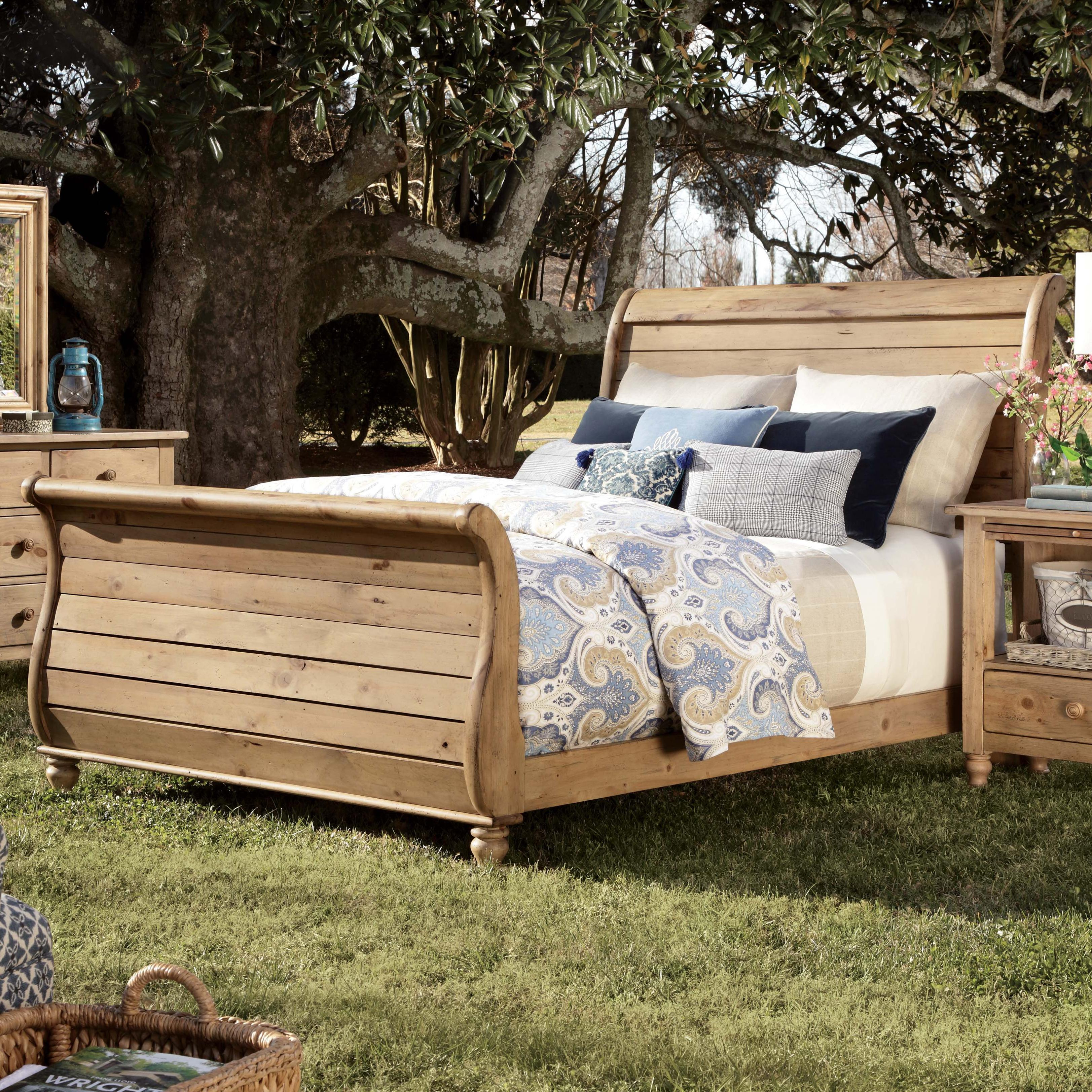Queen sleigh bed with headboard and footboard by kincaid for Queen footboard