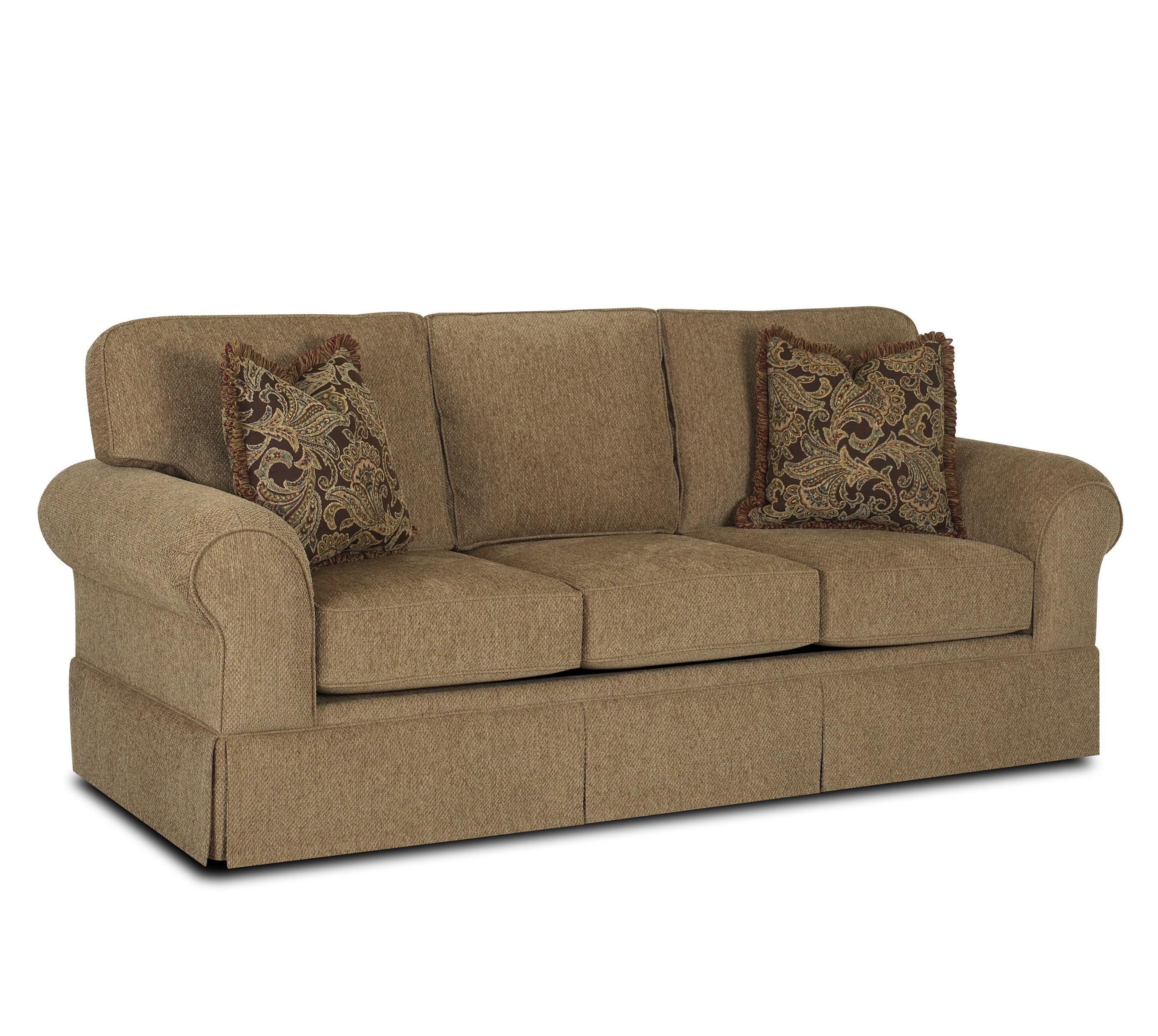 Casual skirted sofa by klaussner wolf and gardiner wolf for Casual couch