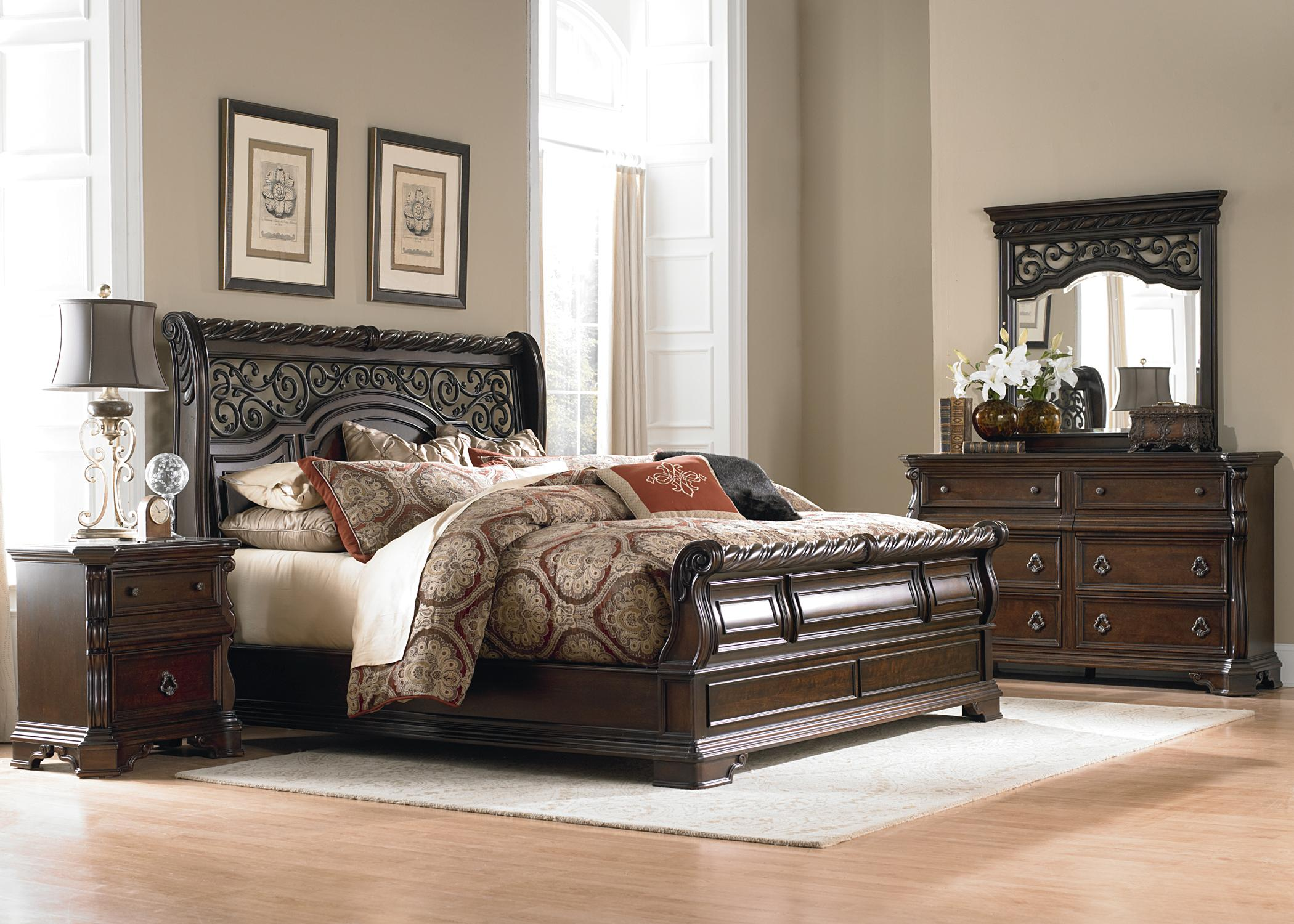 King Traditional Sleigh Bed by Liberty Furniture  Wolf