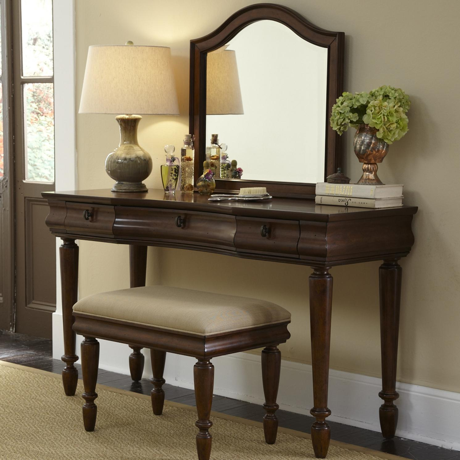 Vanity set with turned legs by liberty furniture wolf and gardiner wolf furniture for Bedroom furniture vanity sets