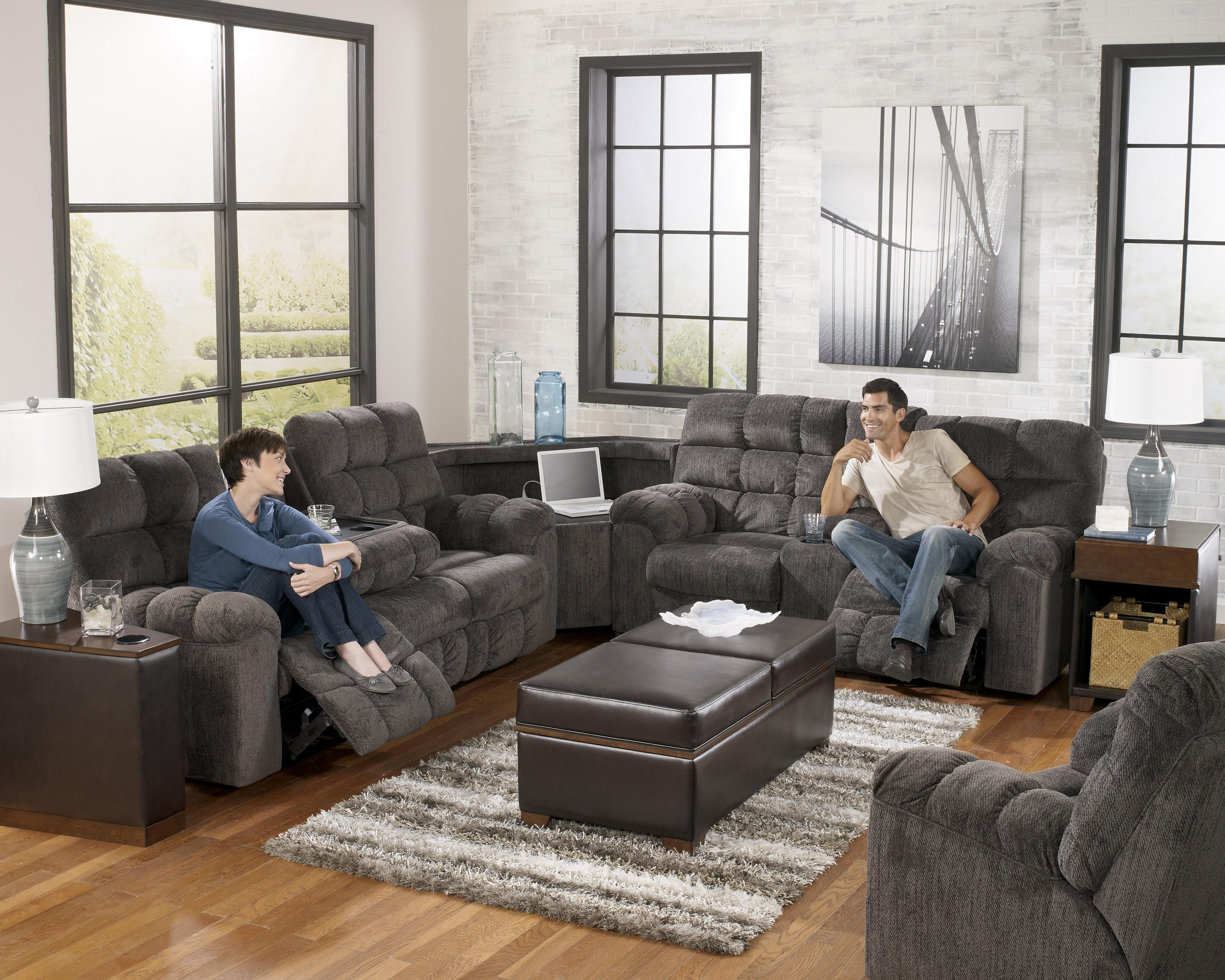Reclining sectional sofa with right side loveseat cup for Sectional sofa with reclining ends