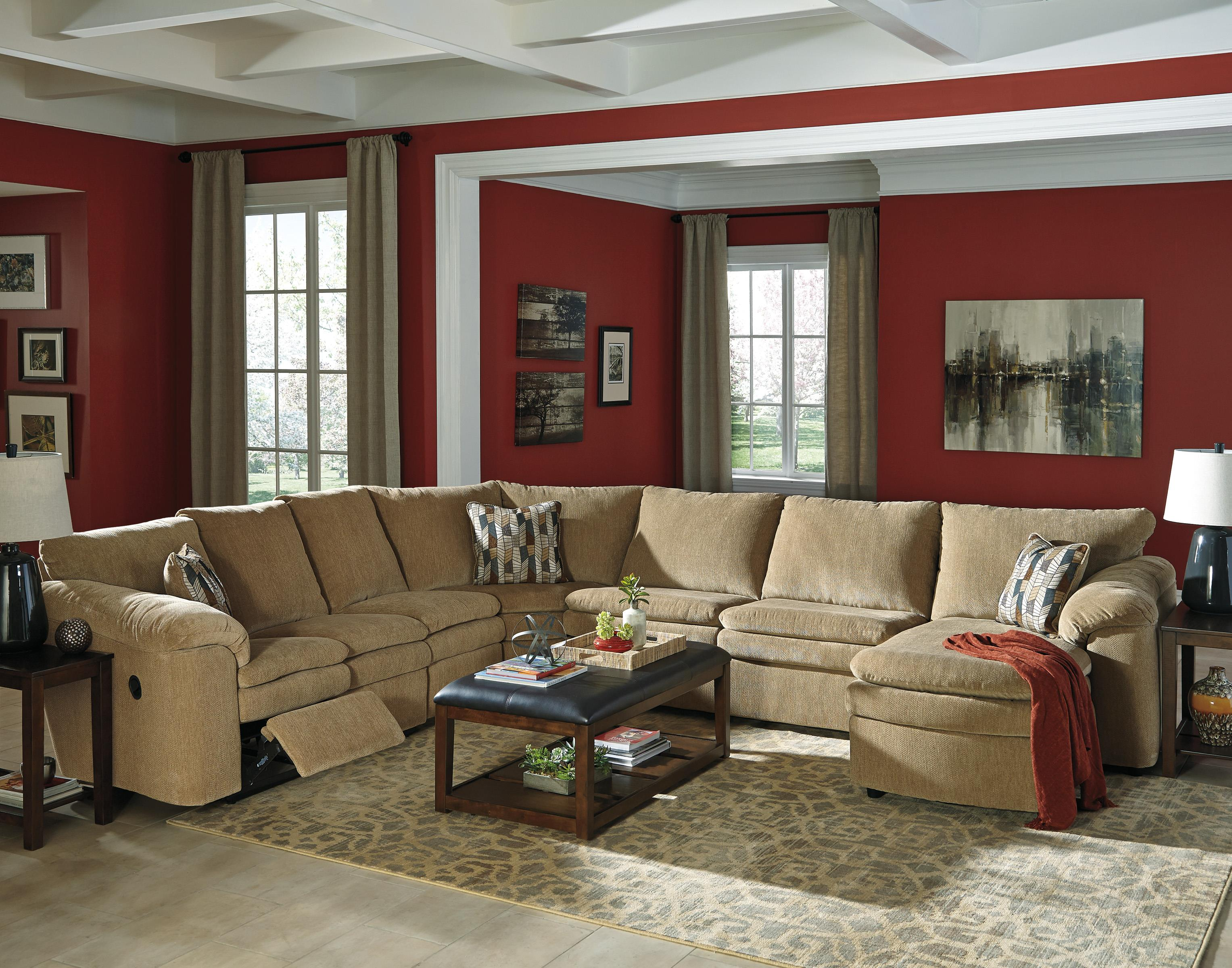 Casual Contemporary 5 Piece Reclining Sectional with Right