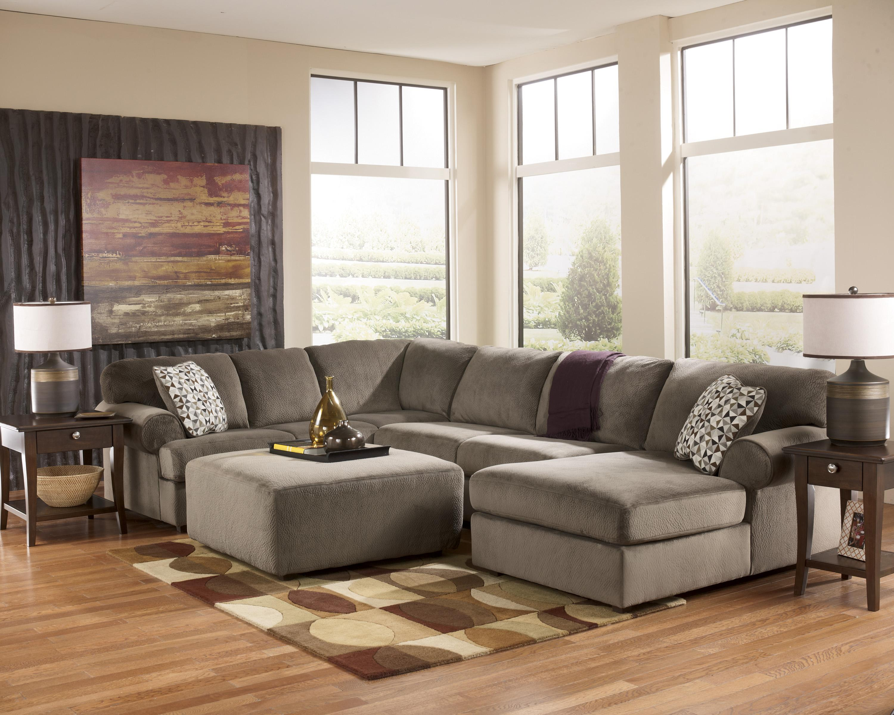 Casual sectional sofa with right chaise by signature for Chaise 2 places