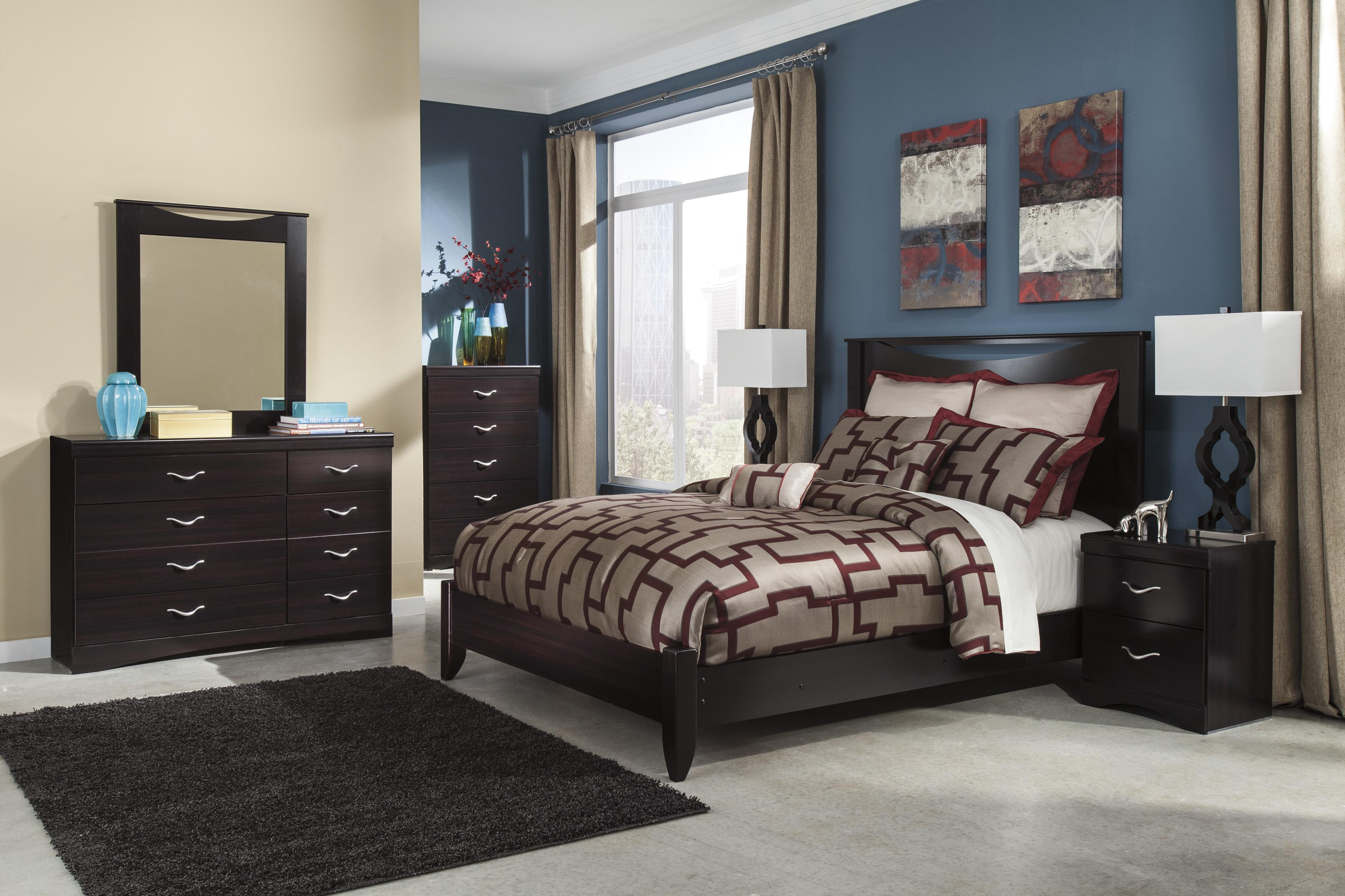 Queen Bed with Low Profile Footboard by Signature Design