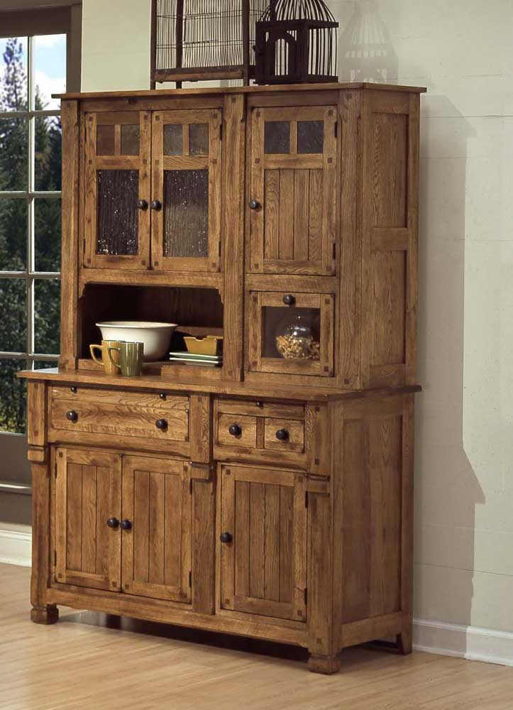 rustic oak hutch and buffet by sunny designs wolf and. Black Bedroom Furniture Sets. Home Design Ideas