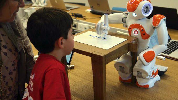 Robot làm toán
