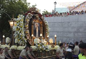 Viva la Virgen de la Paloma!