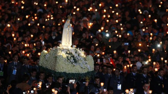 """fatima papalvisit2017 In 1917, during one of Our Lady's apparitions at Fatima, the three shepherd children were given a vision of Hell. Our Lady warned that if people didn't stop offending God then another war would come. In reparation, Our Lady asked """"for the consecration of Russia to my Immaculate Heart, and the Communion of reparation on the First Saturdays."""" She added, """"If my requests are heeded, Russia will be converted, and there will be peace; if not, she will spread her errors throughout the world, causing wars and persecutions of the Church."""""""