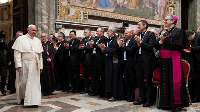 L'ancien Nonce apostolique aux USA, Mgr Carlo Maria Viganò, dénonce la complicité du pape François dans l'affaire MacCarrick - Page 2 Francis_nov302018-678x380