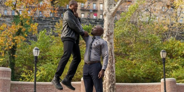 mike-colter-as-luke-cage-lifts-baddie