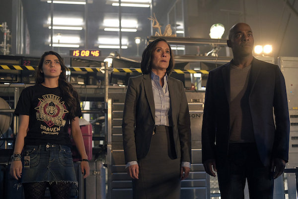 Jiya, on the left, could take over as pilot in a heartbeat. Not that I'd want anything bad to happen to Rufus...but he is a spy, is all I'm saying.