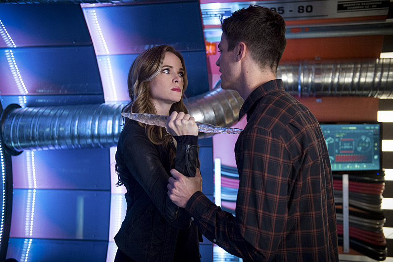 "The Flash -- ""Killer Frost"" -- Image FLA307a_0086b.jpg -- Pictured (L-R): Danielle Panabaker as Caitlin Snow/Killer Frost and Grant Gustin as Barry Allen -- Photo: Diyah Pera/The CW -- © 2016 The CW Network, LLC. All rights reserved."