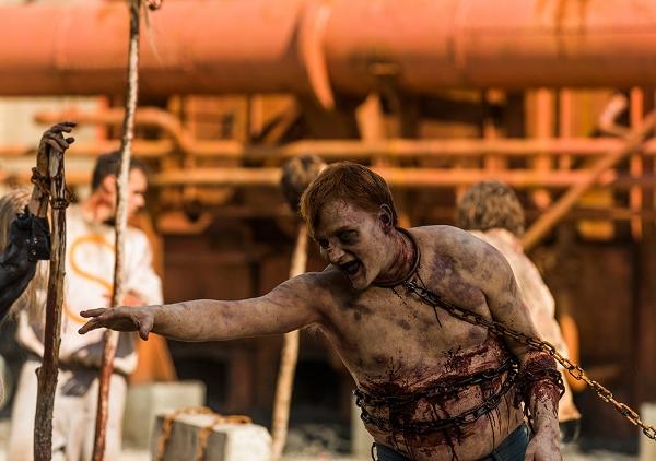 the-walking-dead-episode-703-walker-935-600x422