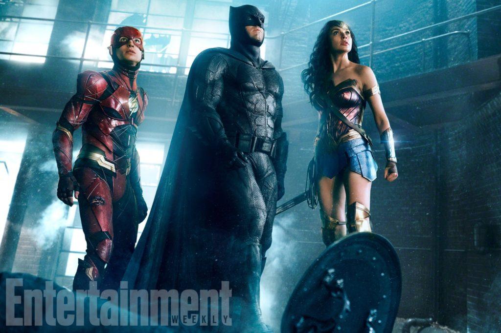 JUSTICE LEAGUE (2017) (L-r)†EZRA MILLER as The Flash,†BEN AFFLECK as Batman and GAL GADOT as Wonder Woman Credit: Warner Bros. Pictures/ ô & © DC Comics