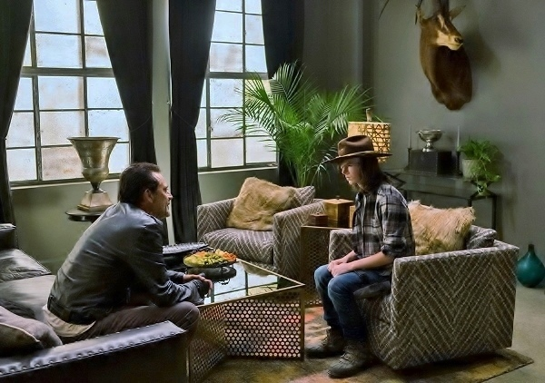 the-walking-dead-episode-707-carl-riggs-935-600x422