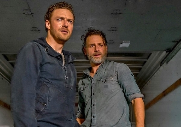the-walking-dead-episode-707-rick-lincoln-2-935-600x422