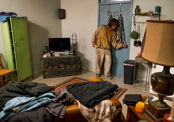 the-walking-dead-episode-708-daryl-reedus-935-600x422