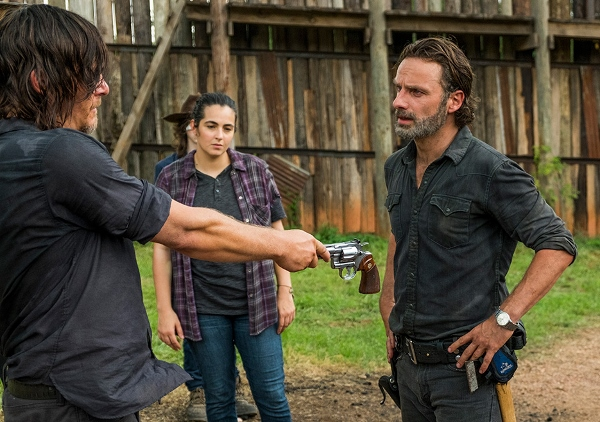 the-walking-dead-episode-708-rick-lincoln-935-600x422
