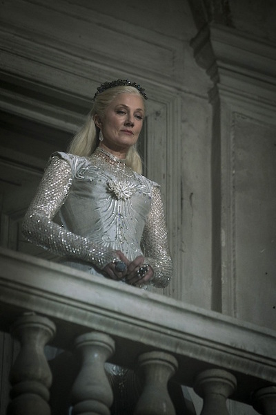 "EMERALD CITY -- ""Science and Magic"" Episode 104 -- Pictured: Joely Richardson as Glinda -- (Photo by: David Lukacs/NBC)"