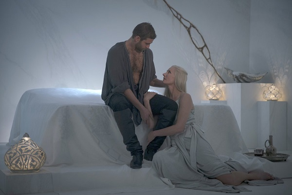 """EMERALD CITY -- """"Lions In Winter"""" Episode 108 -- Pictured: (l-r) Oliver Jackson Cohen as Lucas/Roan, Joely Richardson as Glinda -- (Photo by: David Lukacs/NBC)"""