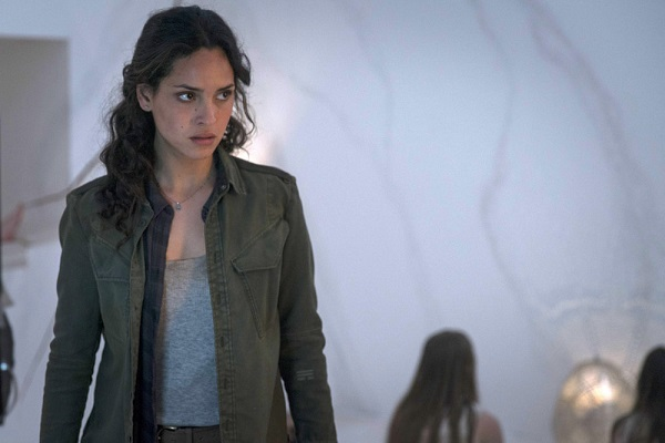 """EMERALD CITY -- """"Lions In Winter"""" Episode 108 -- Pictured: Adria Arjona as Dorothy -- (Photo by: David Lukacs/NBC)"""