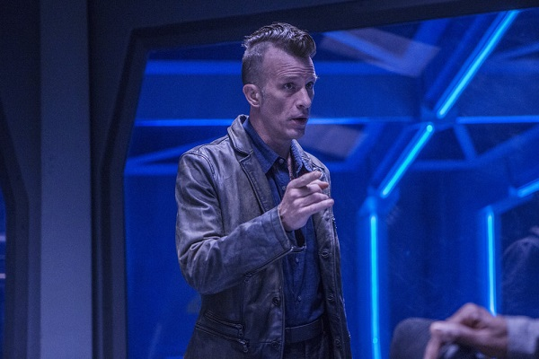 "THE EXPANSE -- ""Static"" Episode 203 -- Pictured: Thomas Jane as Detective Joe Miller -- (Photo by: Rafy/Syfy)"