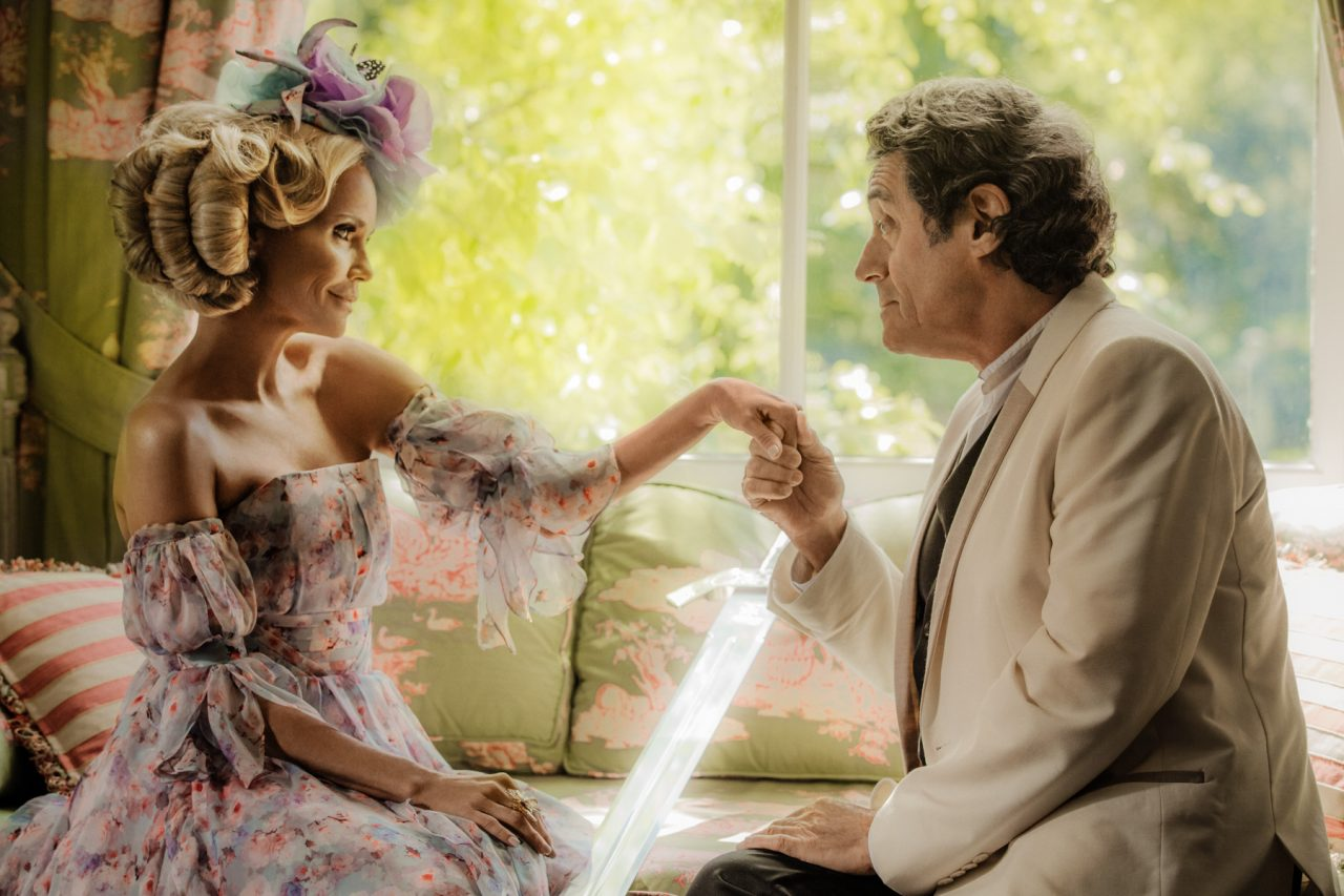 Wednesday courting Easter for the cause  (American Gods)