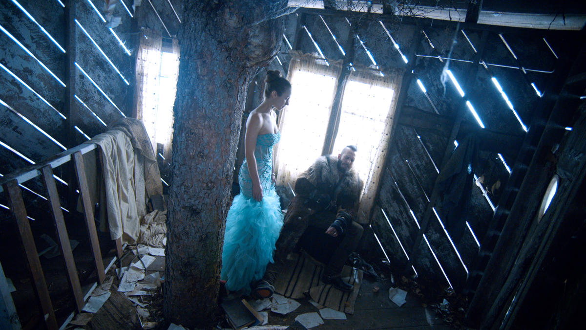 Wynonna Earp I Walk The Line Waverly and Bobo Del Rey in Treehouse