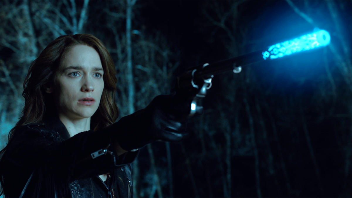 Wynonna Earp I Walk The Line Peacemaker Glows Blue at Willa's Death