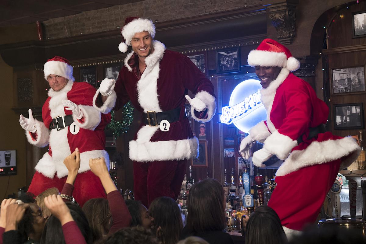 Bad Mom Christmas.Movie Review A Bad Moms Christmas