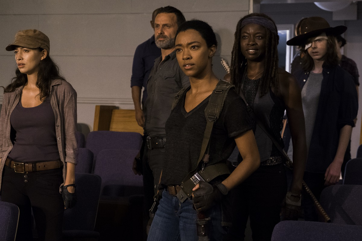 The 7 Funniest Moments On The Walking Dead Geek Girl Authority