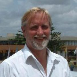 Steven Hansch headshot