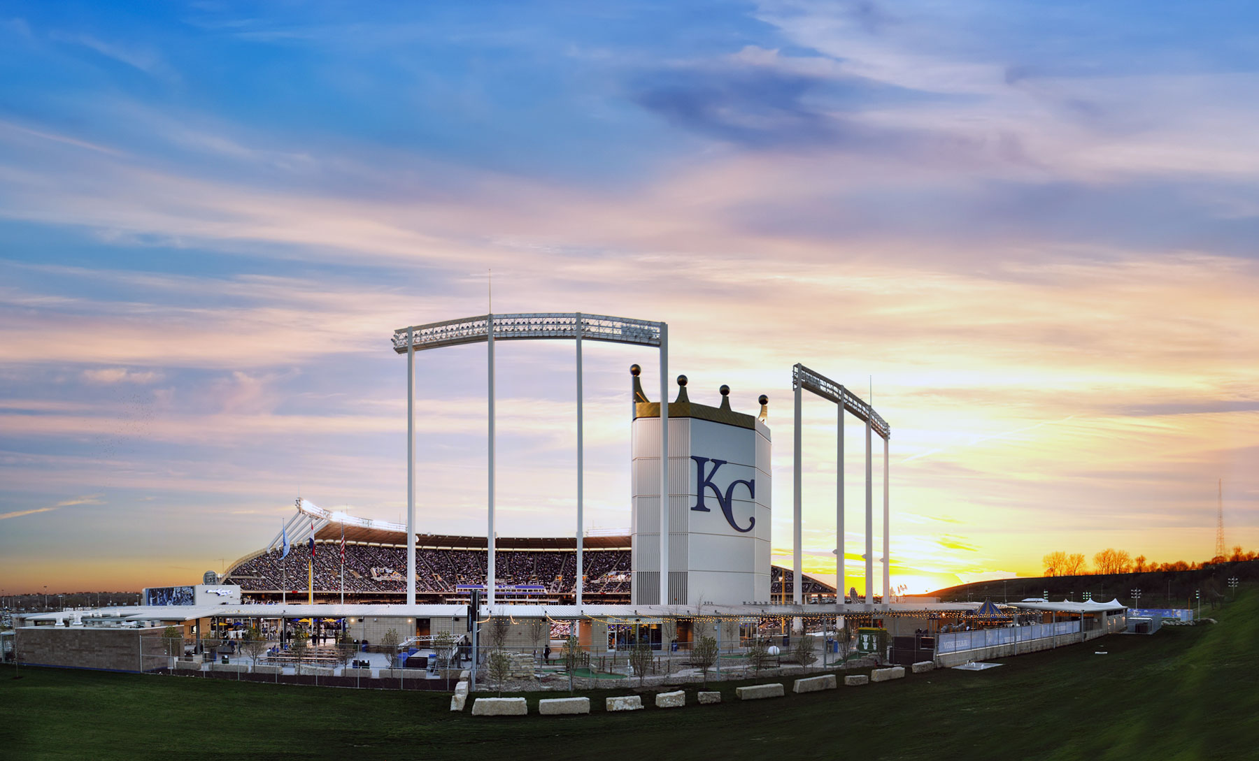 Hotels Near Kansas City Royals Stadium Kauffman Stadium Aa