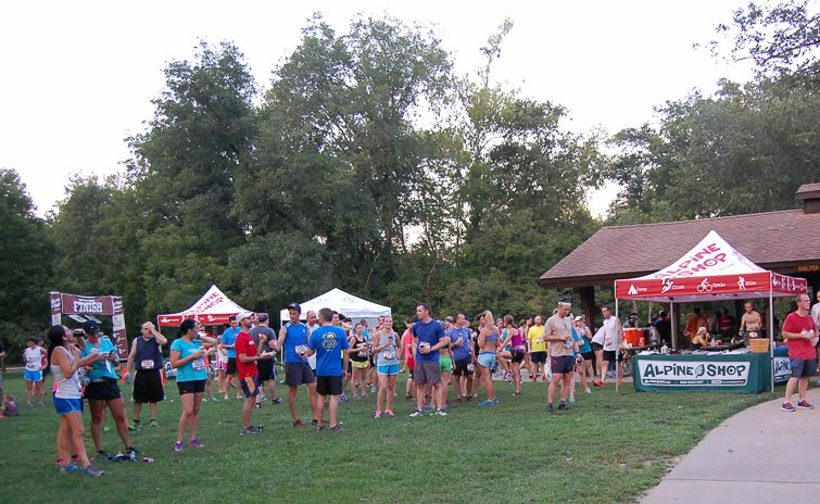 Runners at Alpine Shop Trail Run Series Race HQ