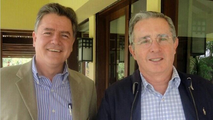 Juan Carlos Velez Uribe y Álvaro Uribe Velez.