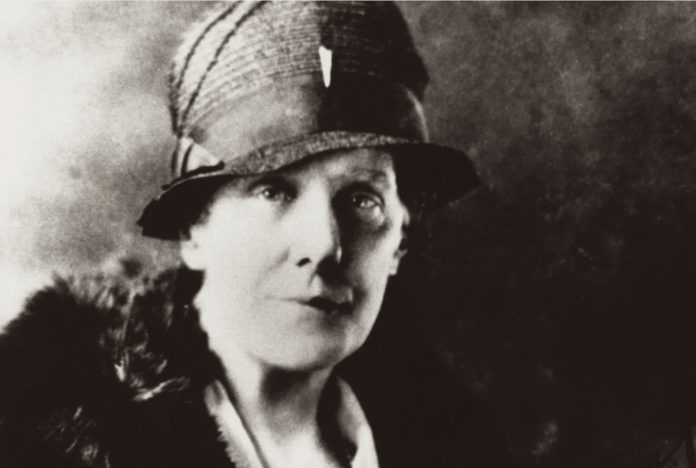 Anna Jarvis Mother's Day History