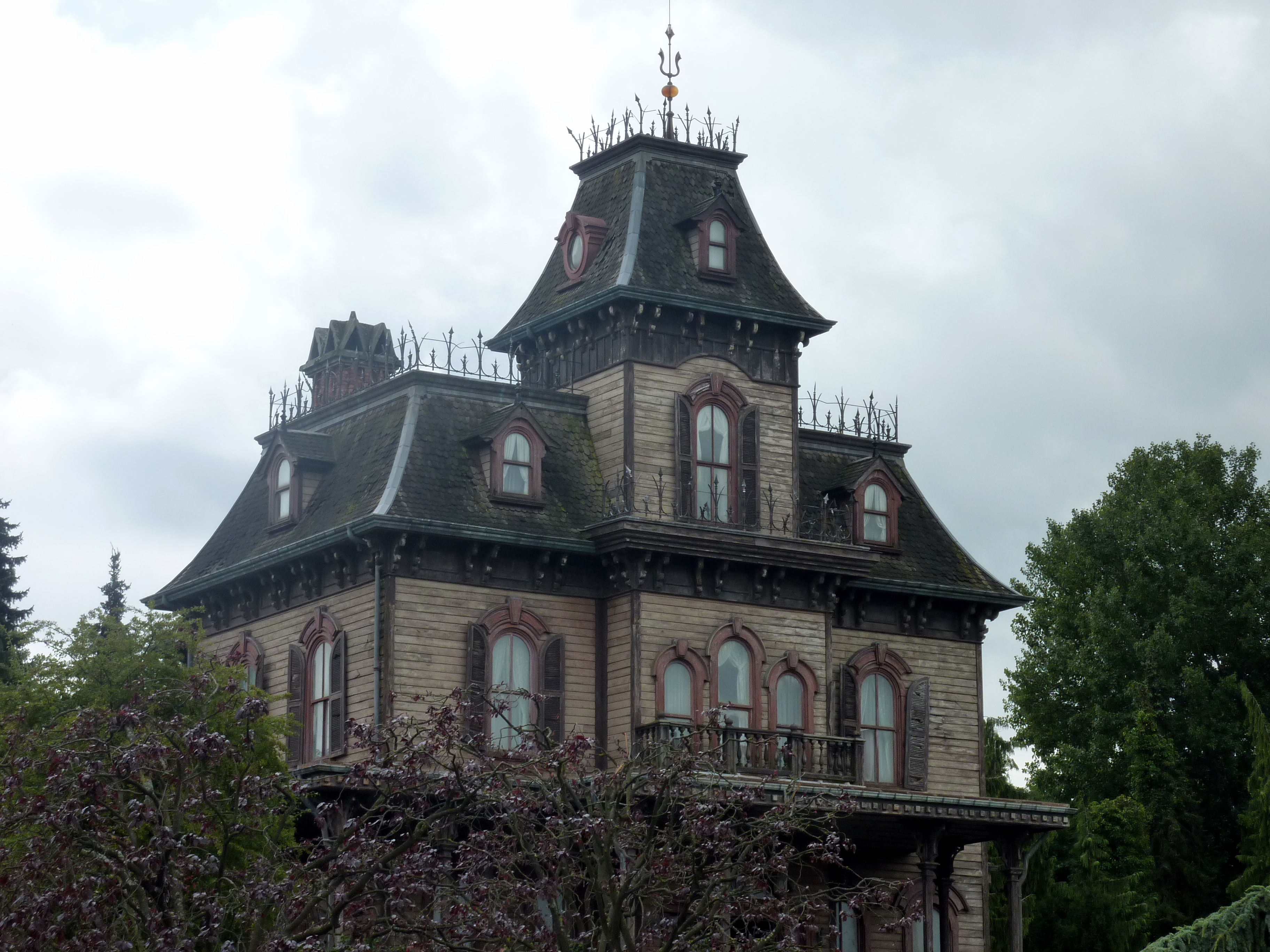 Haunted house adventure first to know for Famous haunted houses for sale