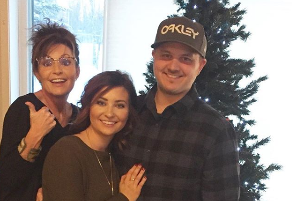 Sarah Palin's Daughter Pregnant with Twins