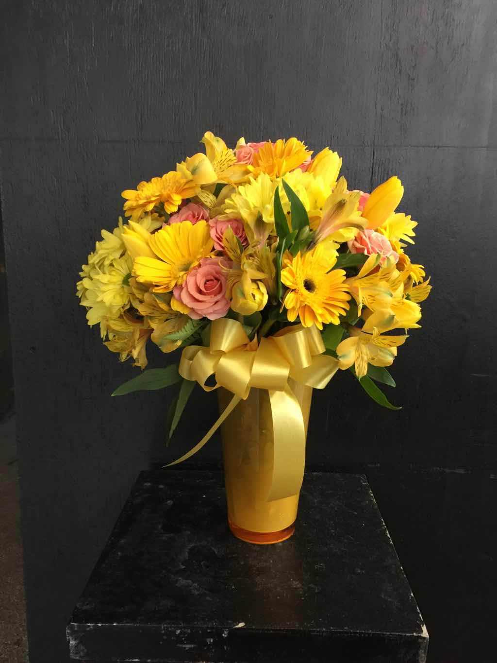 Sunny Smiles by Fasan Florist