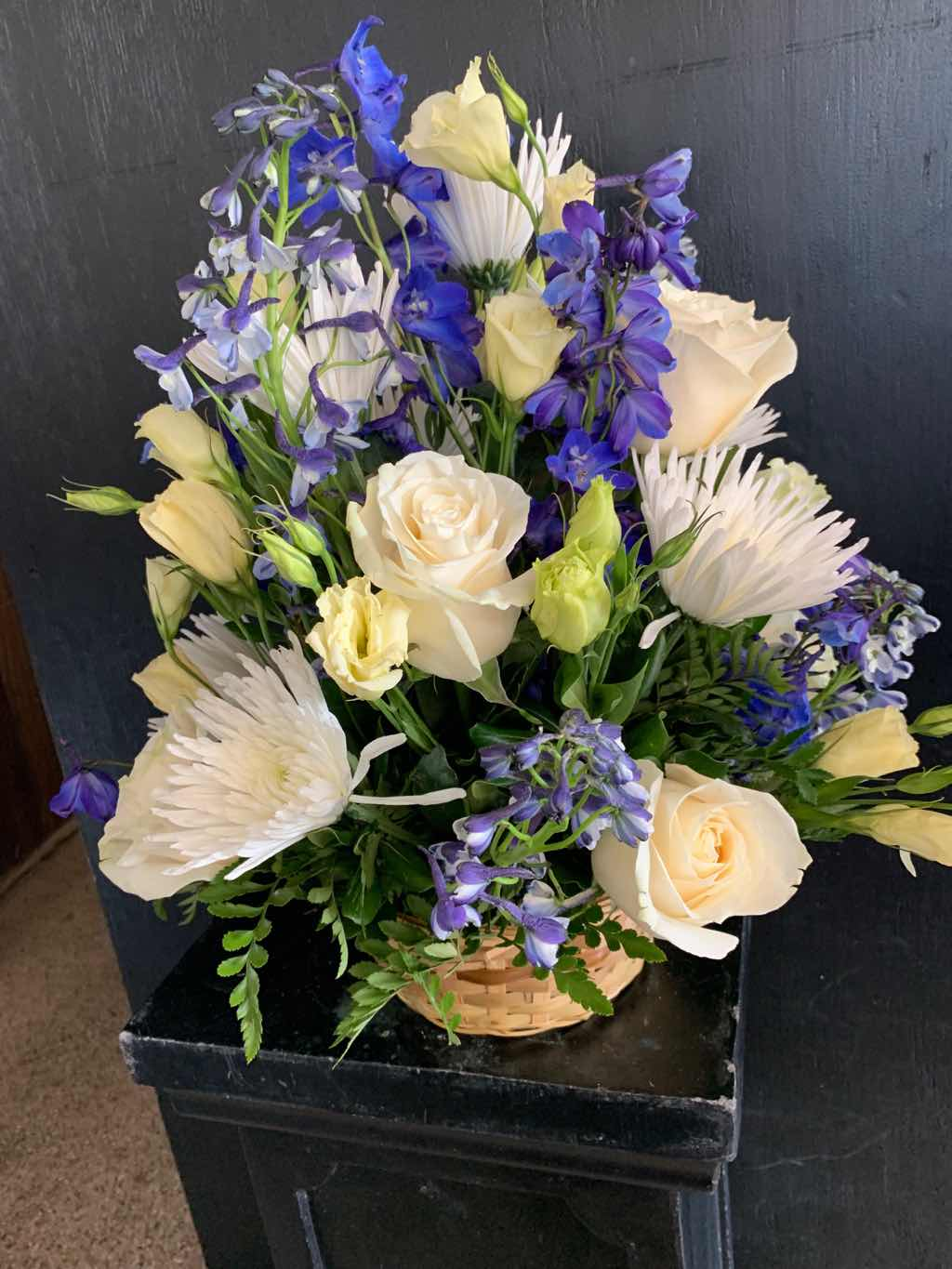 Heavenly Scented Basket by Fasan Florist