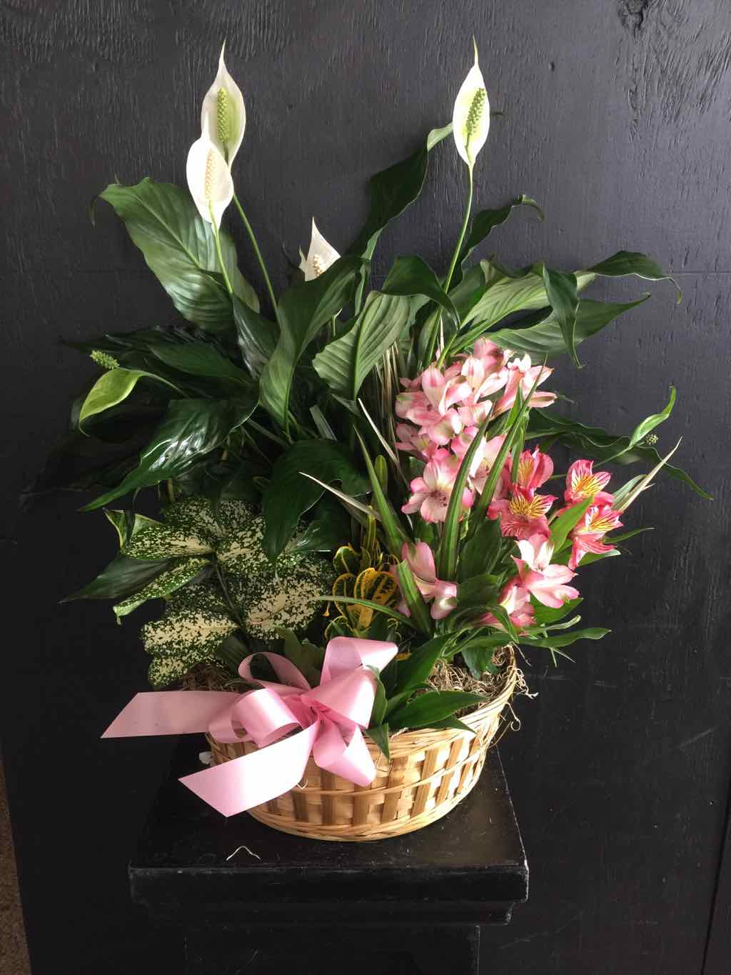 Secret Garden Basket by Fasan Florist