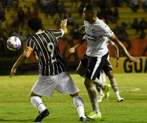 O Fluminense brigou e seguiu adiante com a Primeira Liga ba276a01a5c1b
